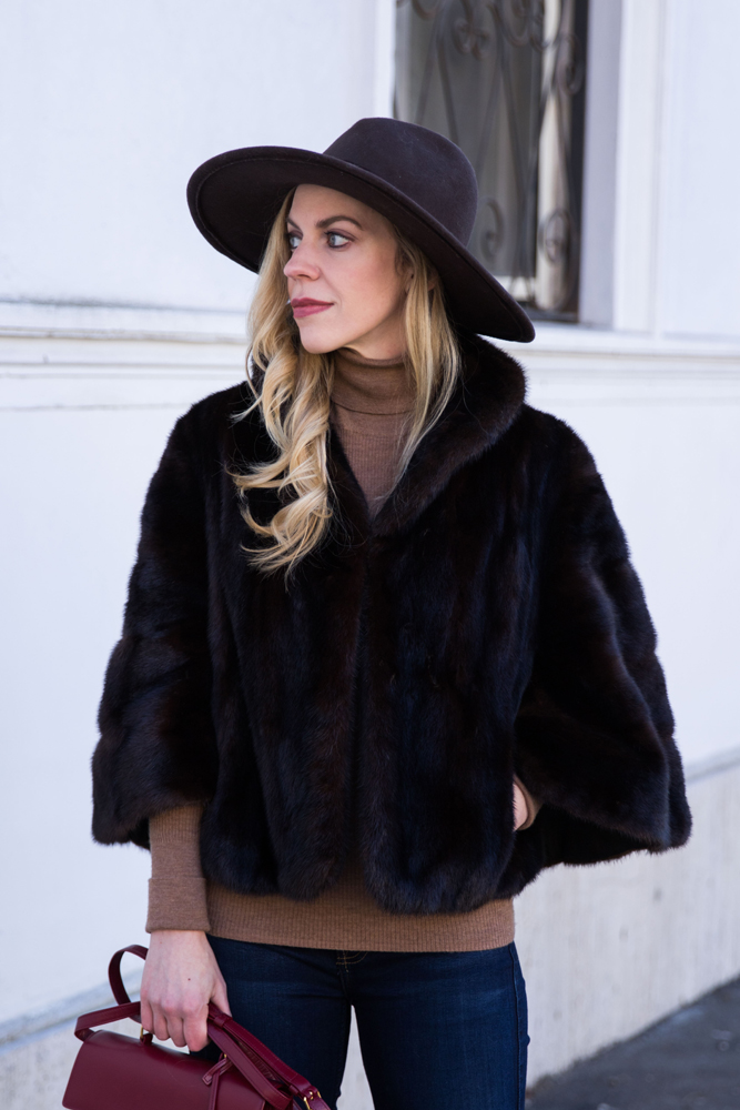 fashion-blogger-meagans-moda-wearing-vintage-fur-cape-camel-turtleneck-sweater-and-brown-oversized-panama-hat
