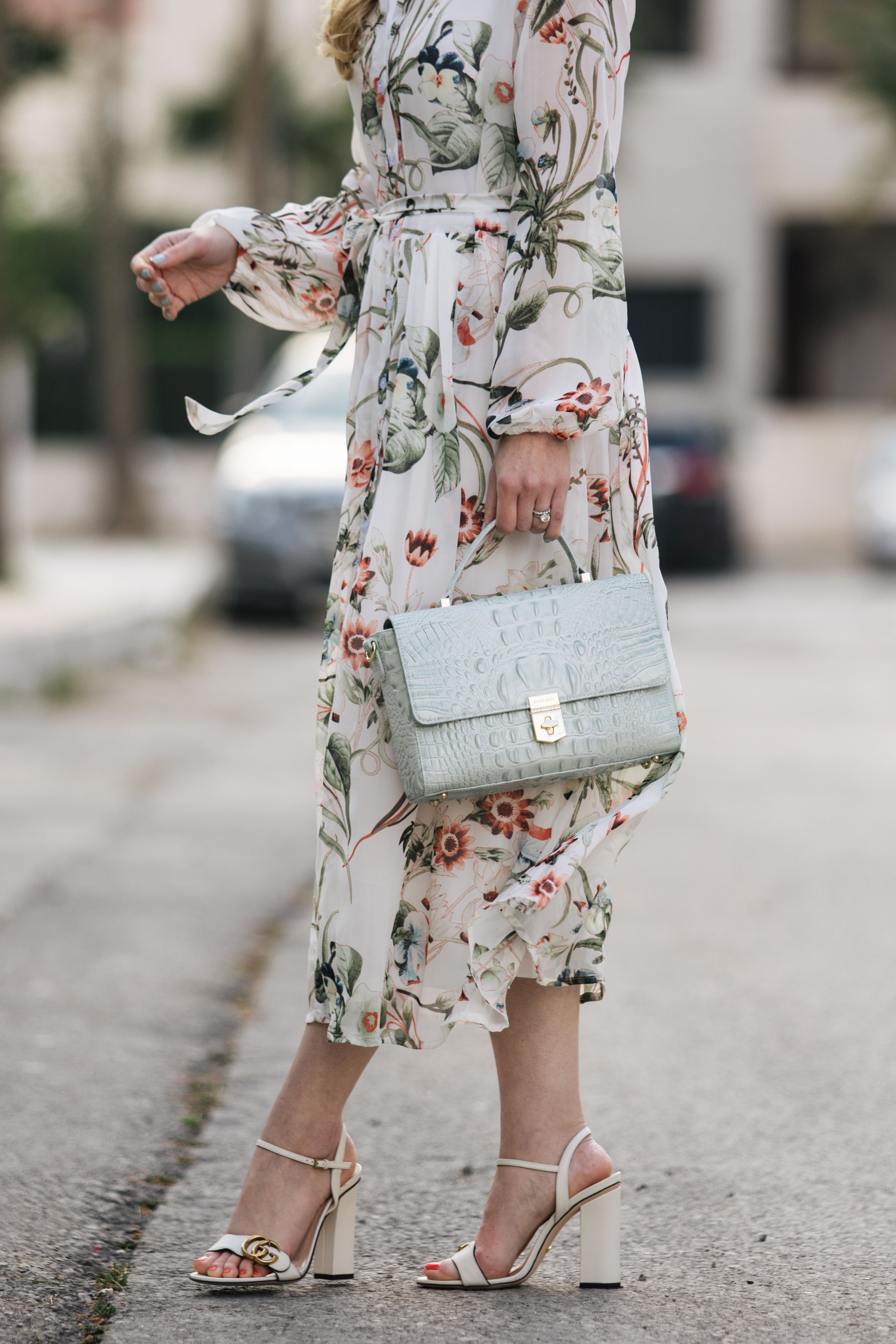 how to wear a floral midi dress with
