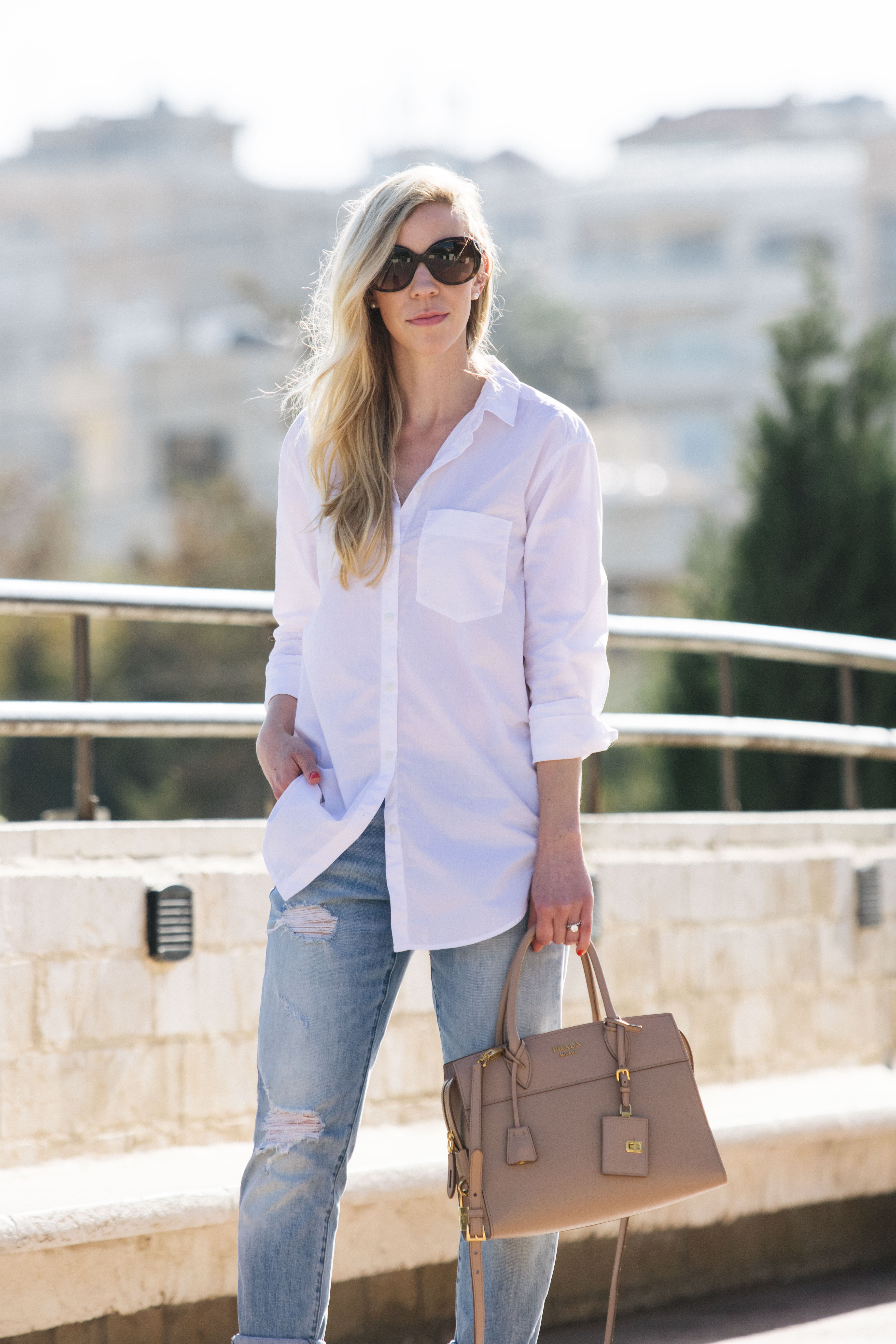 Dress up your boyfriend - Because I Wear Them So Often I M Always Looking For New Ways To Style My Button Downs Here Are A Few Easy Tips To Dress Them Up So It S Never Boring