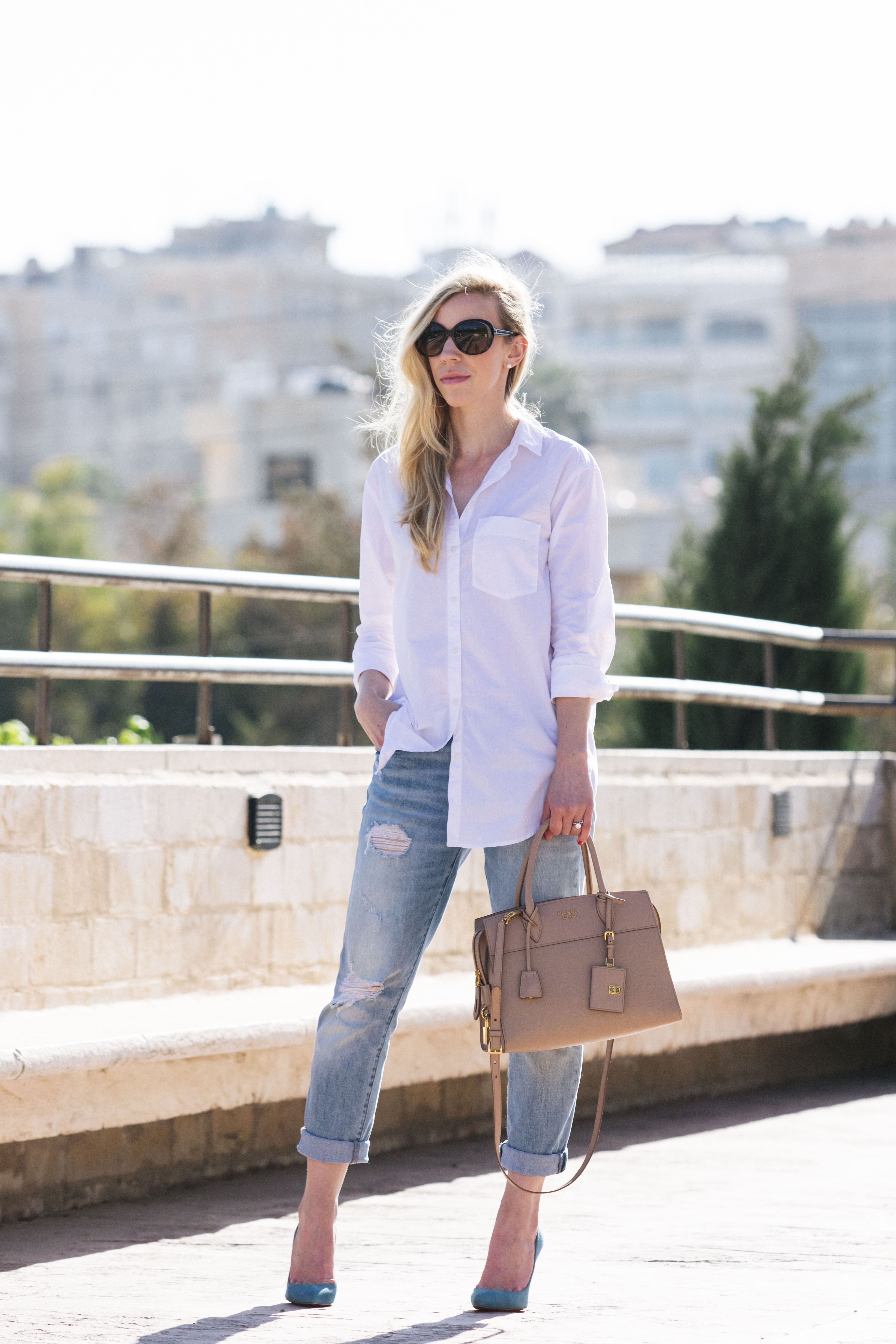 Dress up your boyfriend - A White Button Down Has Become My Go To For Simple Yet Chic Outfits There Are So Many Ways You Can Change Up Your Look With A Basic Button Down
