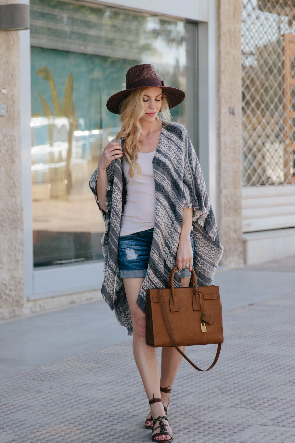 How To Wear A Poncho In Summer Meagan S Moda