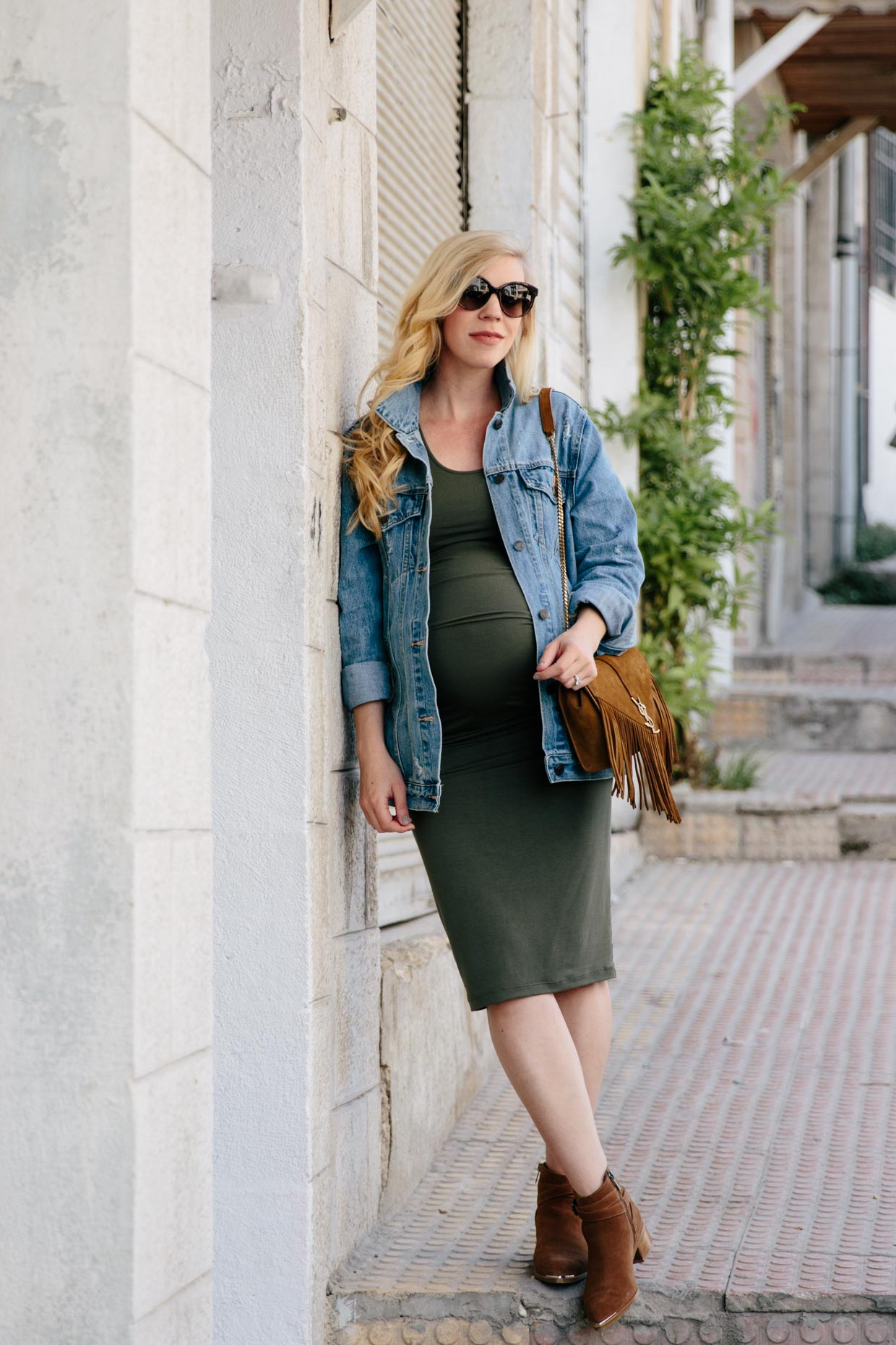 The maternity dress that will fit your entire pregnancy meagans im probably stating the obvious but buying maternity clothing can be frustrating something you bought that fit perfectly at five months may not fit the ombrellifo Images