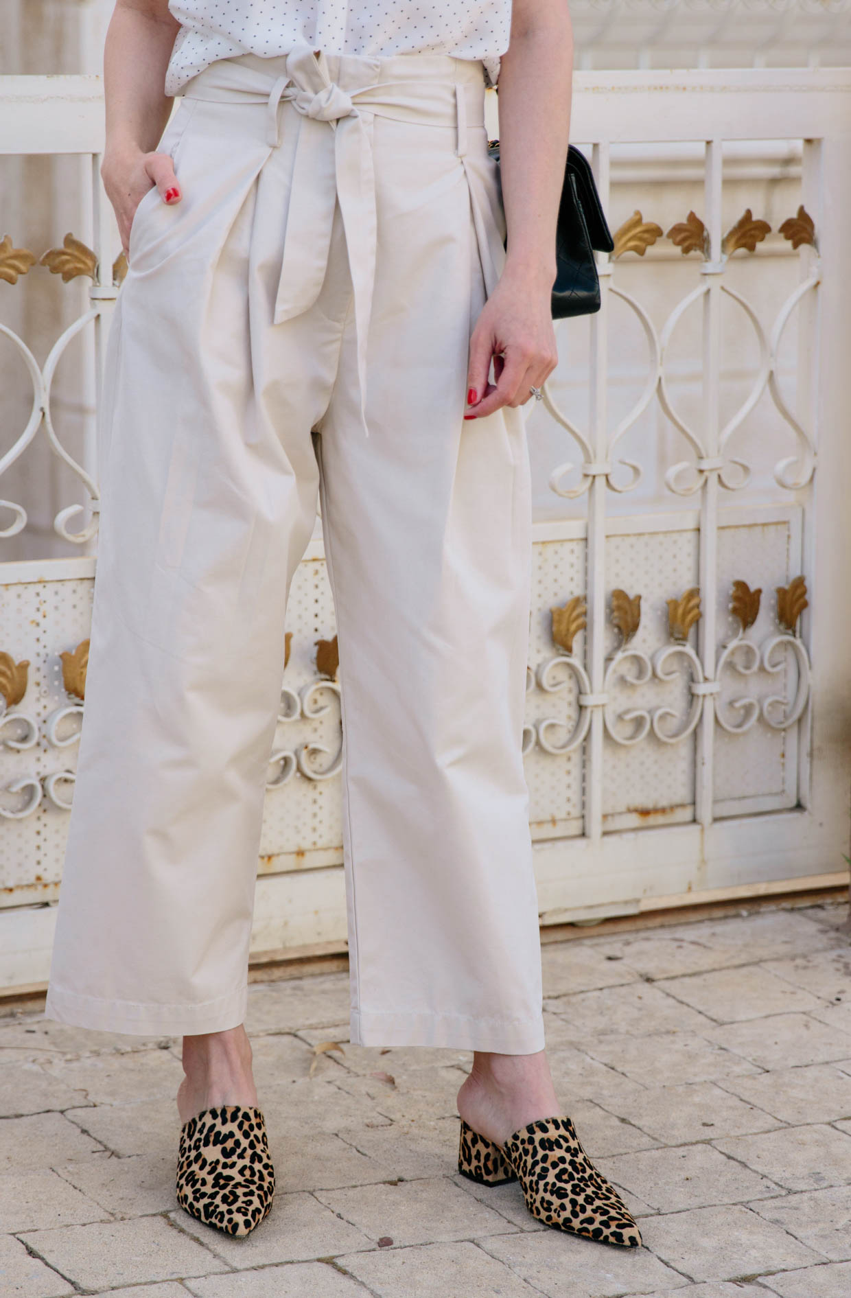 35981c0598c How to wear paperbag waist pants