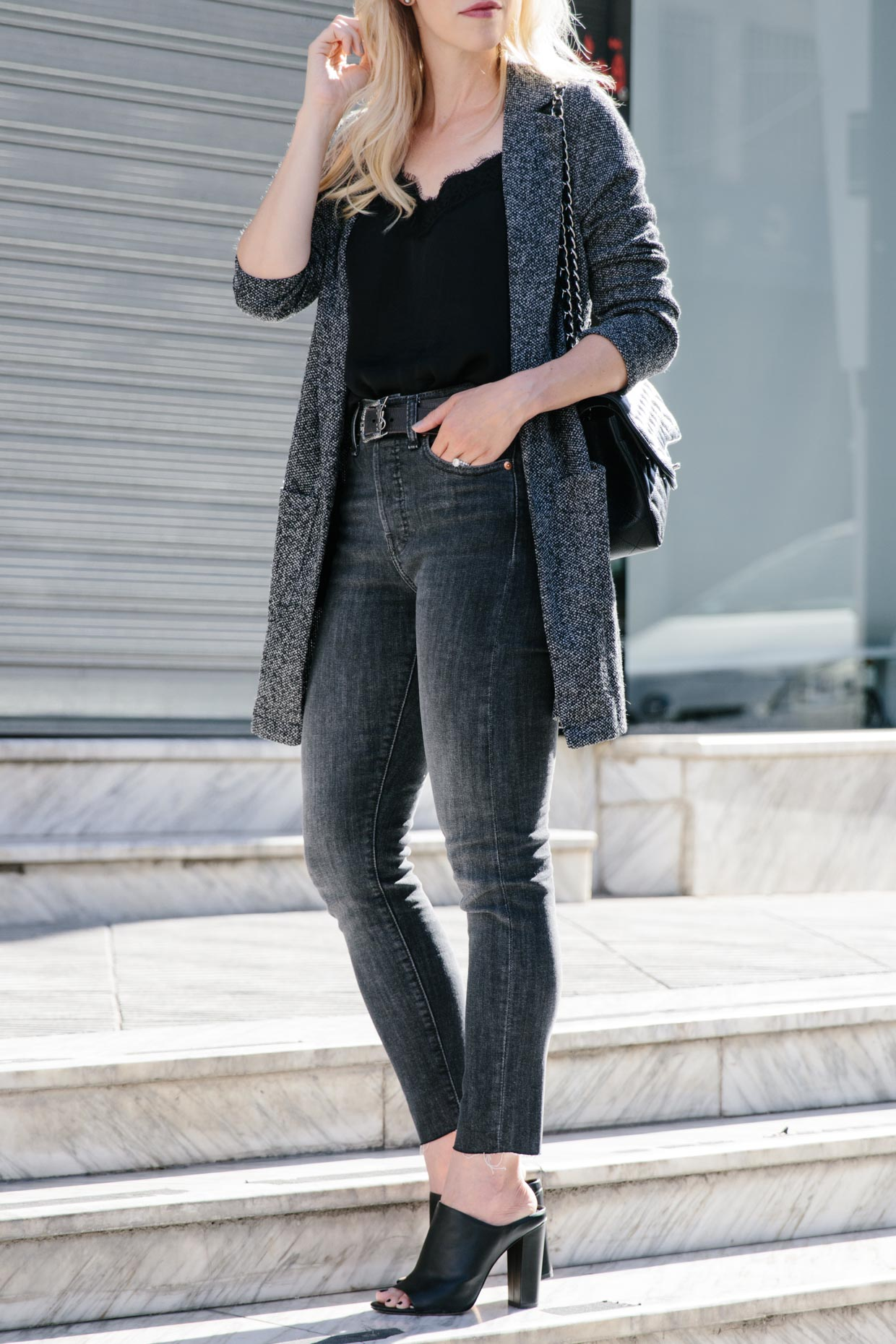f6245a06f65032 Chic way to wear a long blazer with black lace camisole