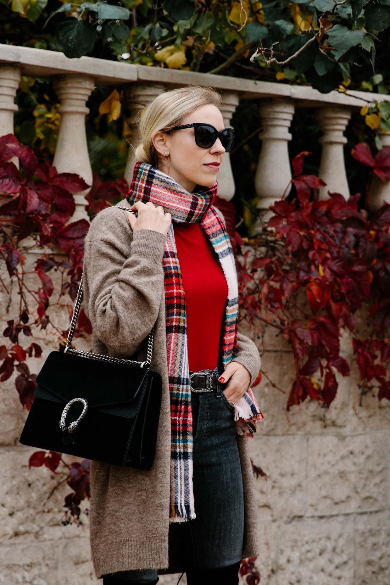 b7a61f27663 A chic way to wear a plaid scarf using red turtleneck
